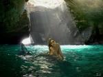 sirena en la cueva