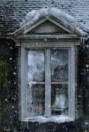 la niña de la vieja ventana